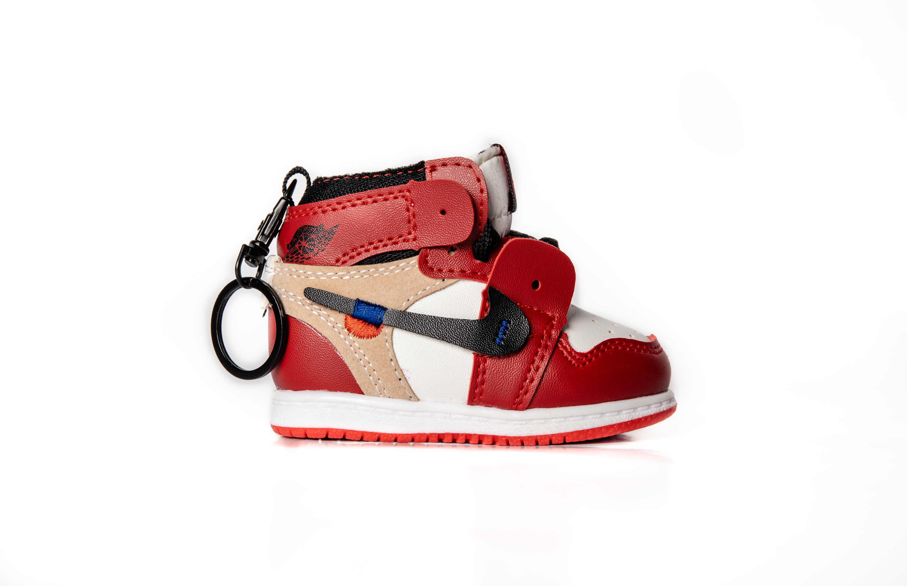 """Air Jordan 1 Off-White """"Chicago"""" Sneaker Charger"""
